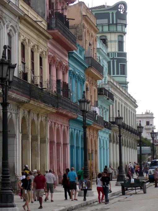 Edifici coloniali 796