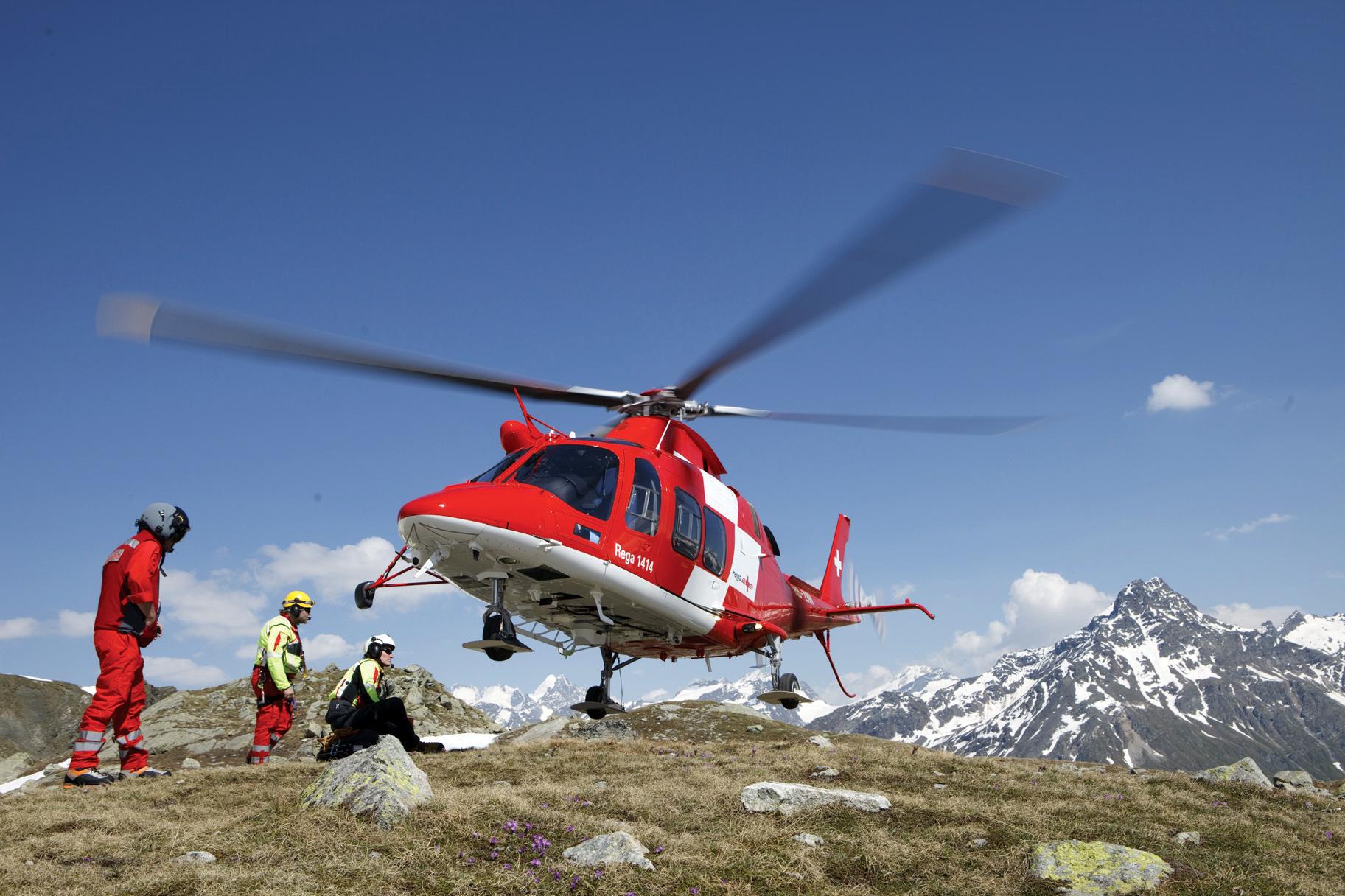 Elicottero Costo : Recuperare un escursionista colto da malore in montagna