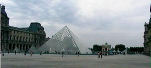 FRANCIA louvre piramide