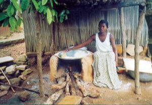 Kpalimè, tostatura di Manioca 21
