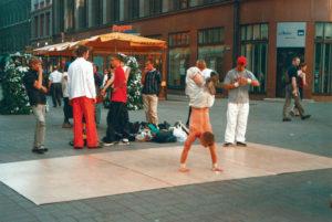 Lettonia Riga artisti di strada