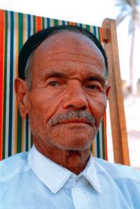Smeda già cittadino italiano. Ex comandante dell'ultimo contingente di militari libici  a Capua, congedato con  il grado di sergente maggiore dell'esercito.