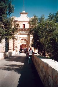 Malta strada sul ponte