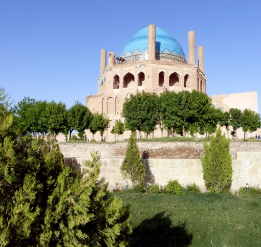 Mausoleo di Oljetu P1060507