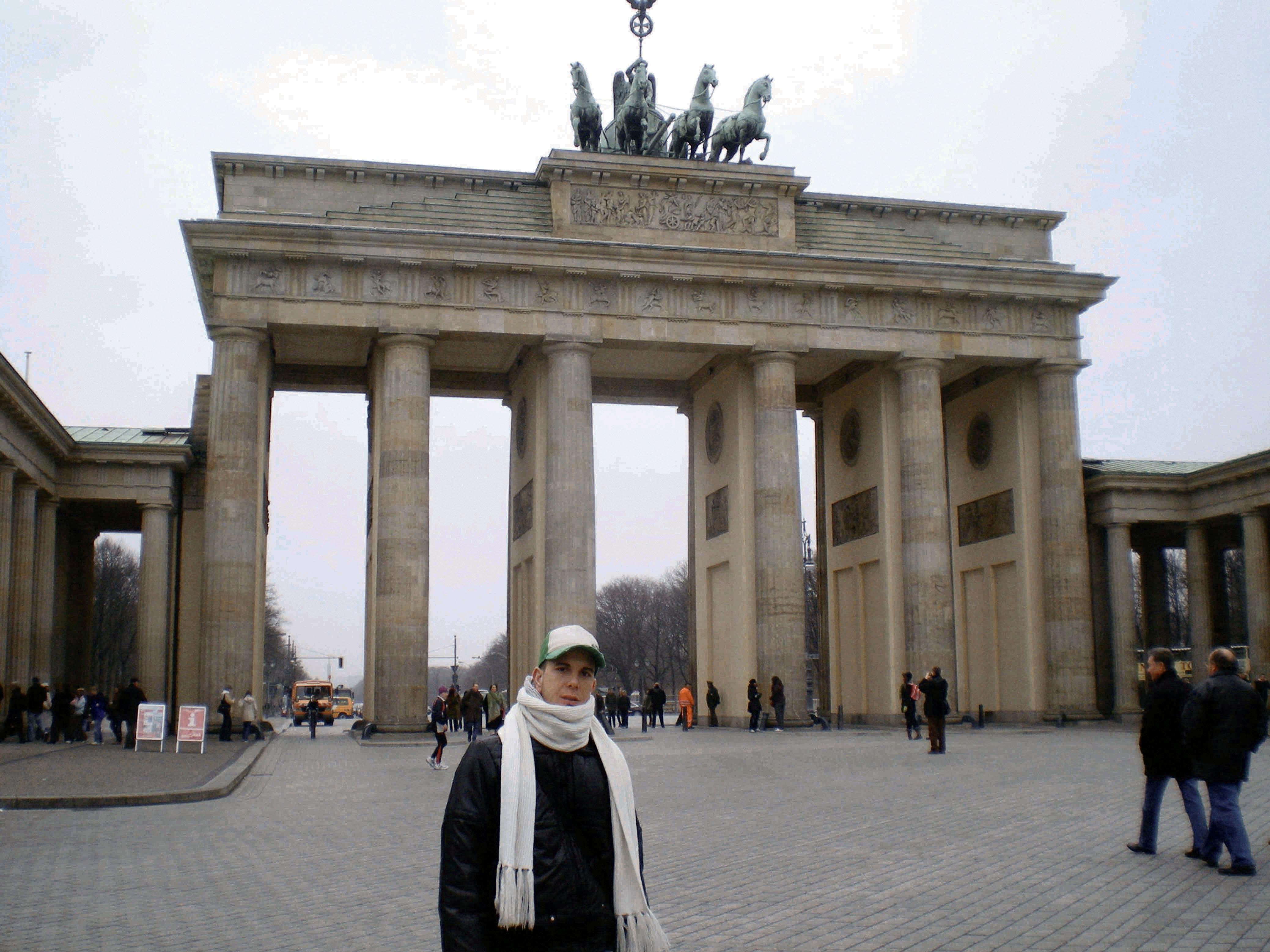 Weekend low cost a berlino - Berlino porta di brandeburgo ...