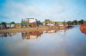 Traghetto sul fiume Samkcarani 25