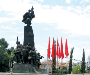 Valona - il monumento all'indipendenza